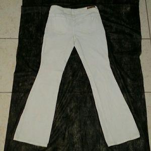 Dollhouse Jeans - DOLLHOUSE WHITE BOOTCUT JEANS SZ/9 JRS (EUC)